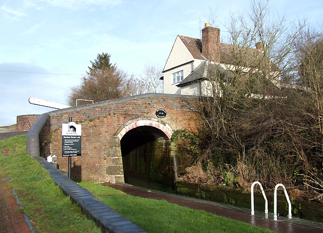 Botterham Bridge (No 42), Staffordshire and Worcestershire Canal