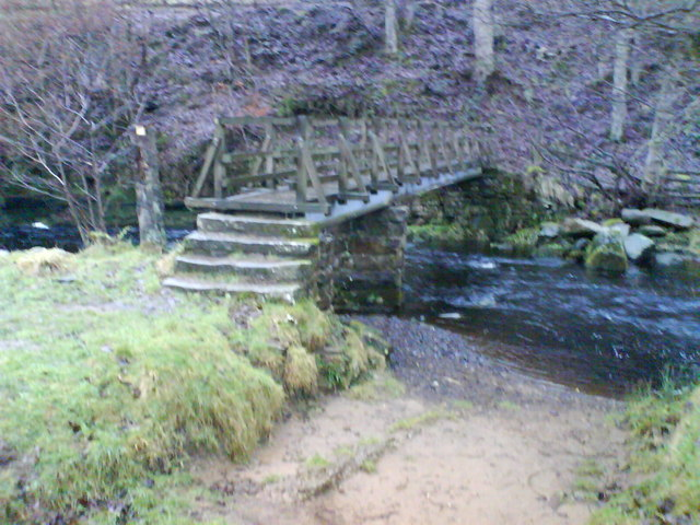 Footbridge over the river Washburn