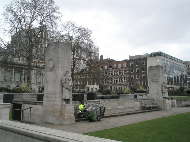 Memorial to Merchant Seamen