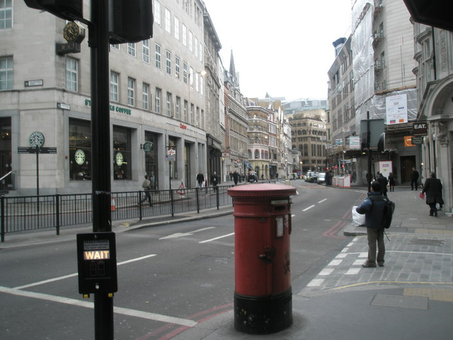 Pedestrian crossing to Gracechurch Street