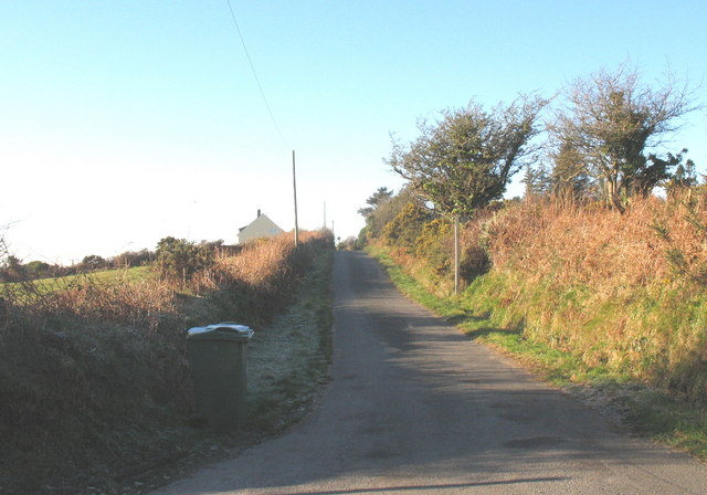 Minor road leading west towards the centre of Mynytho