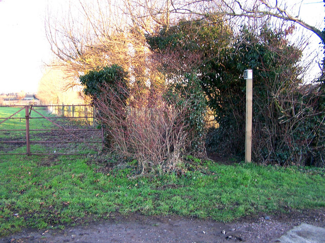 Start of footpath to Lower Halstow