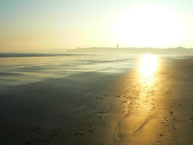 Reflective sands
