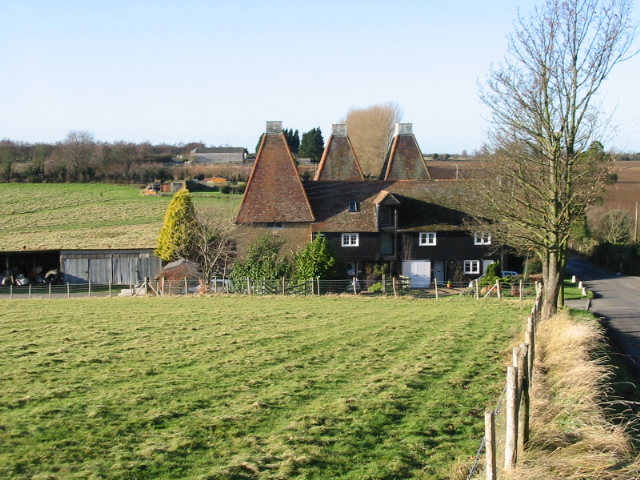 Little Crockshard Farm and oast house