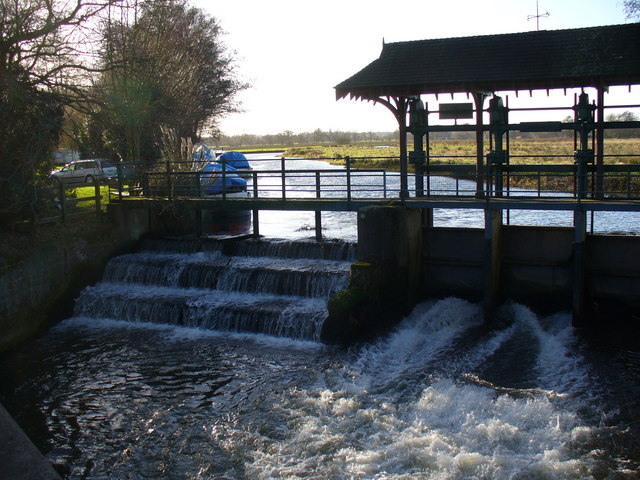 Sluice Gate on the River Wey Navigation