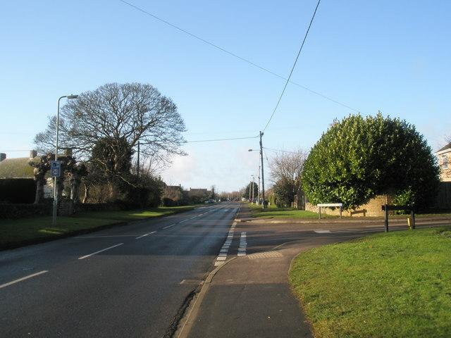 Junction of Gaveston Gardens and Hempton Road