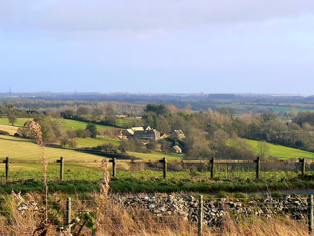 A view east from crossroad near Chedworth