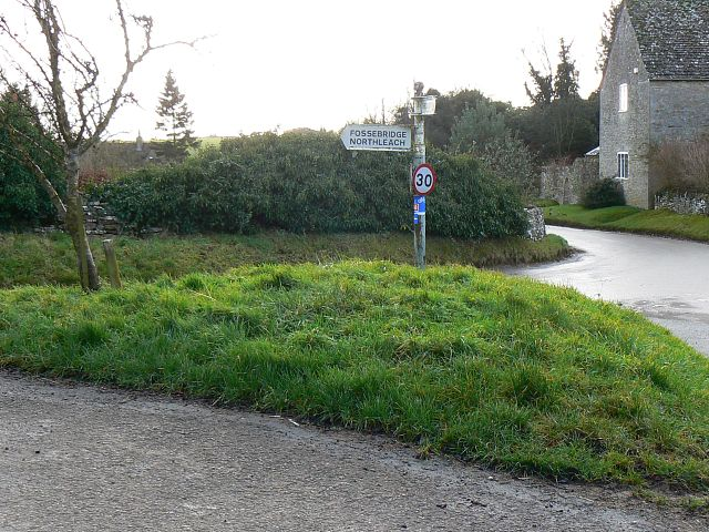 Road junction in Calmsden