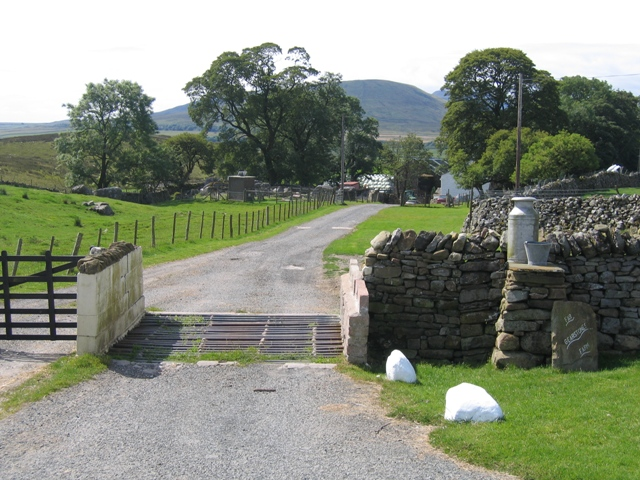 Entrance to Far Gearstones Farm