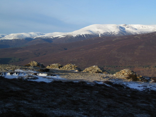 "The ""five cairns"" on the north side of Morrone (2)"