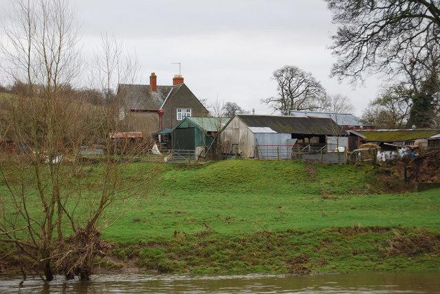 Severnside farm buildings