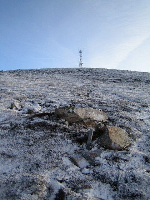 Line of buried cable to the summit of Morrone