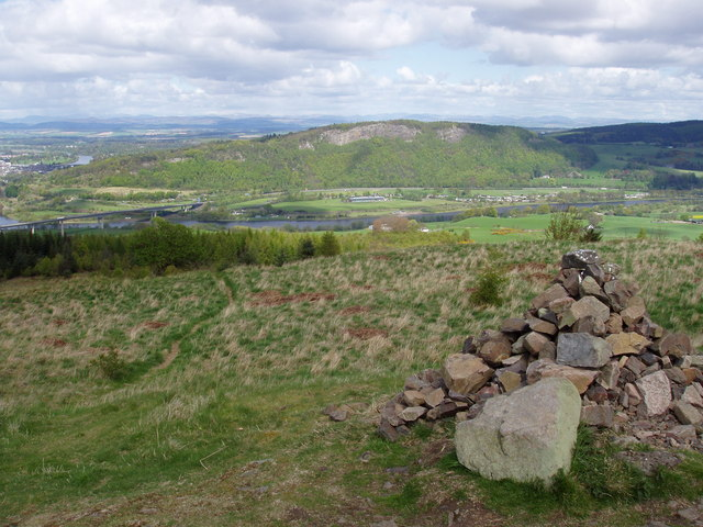 Summit cairn of Moncreiffe Hill