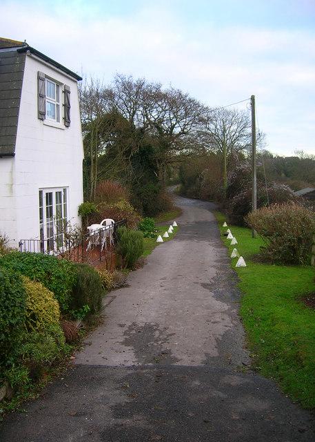 Lane to Warningcamp