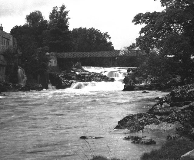 Linton Falls, Wharfedale, Yorkshire