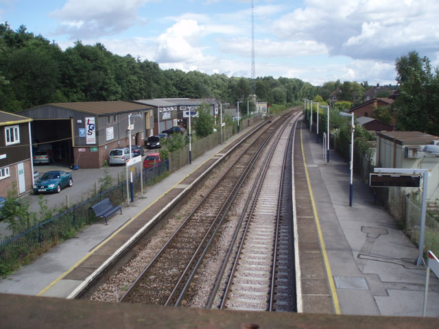Looking northwards from Liss Station bridge
