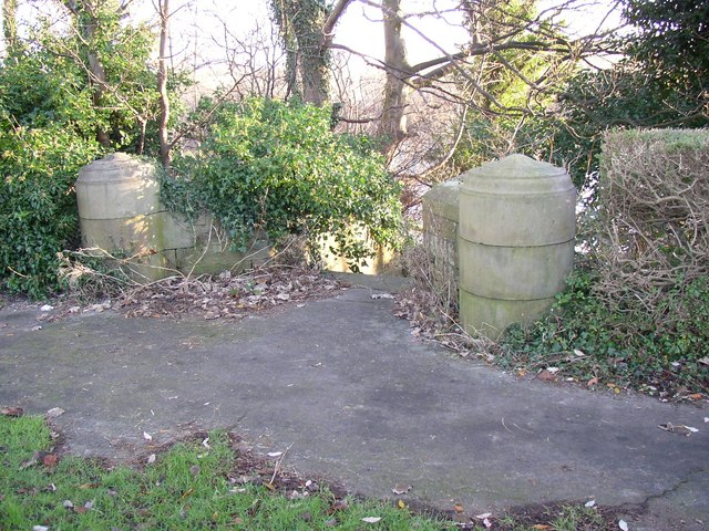 Stone posts at top of steps, Skerton