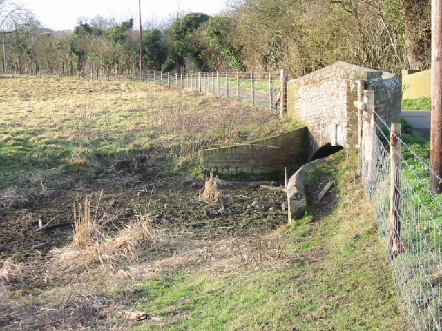 Little bridge over the dried up Nailbourne