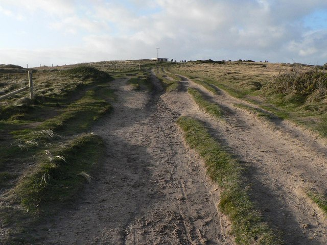 Hengistbury Head: dual-carriageway paths