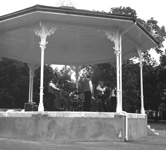 Jazz band in Queens Park, North west London