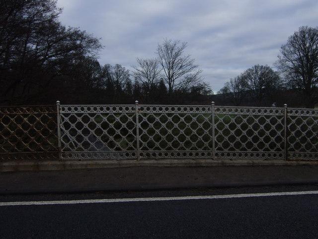 Parapet of a bridge over the Lilburn