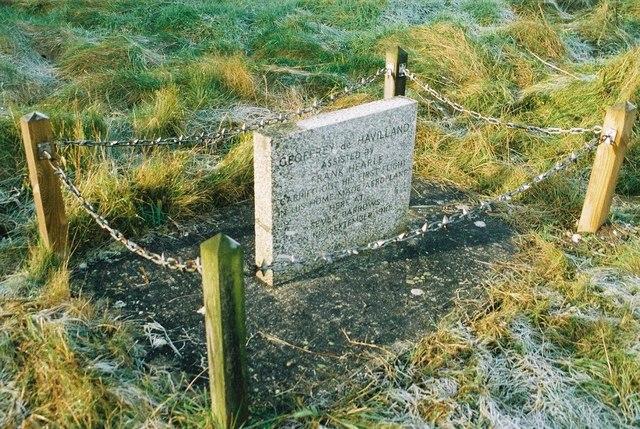 Burghclere: de Havilland memorial