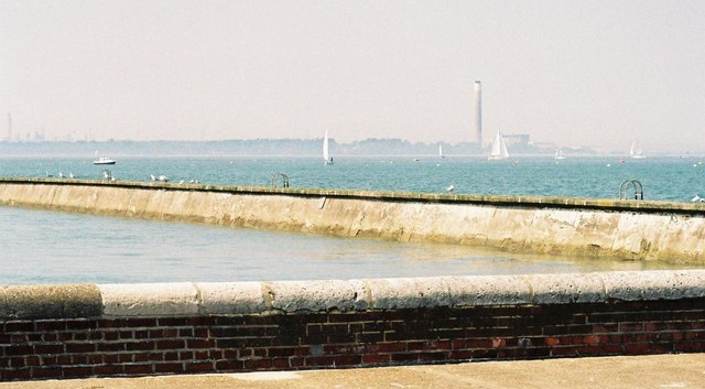 East Cowes: breakwater and Fawley view