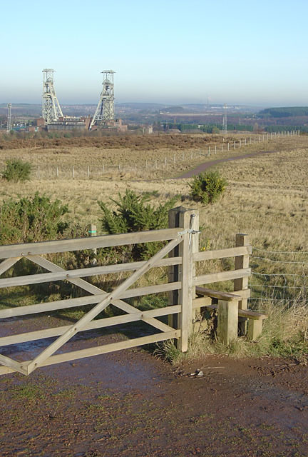 Gate and stile in Vicar Water Country Park