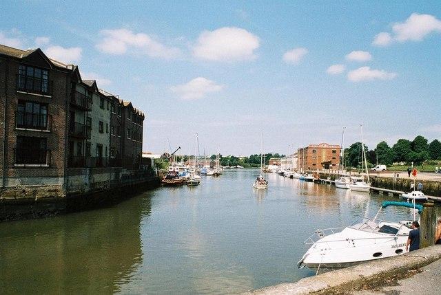 Newport: Medina Quay