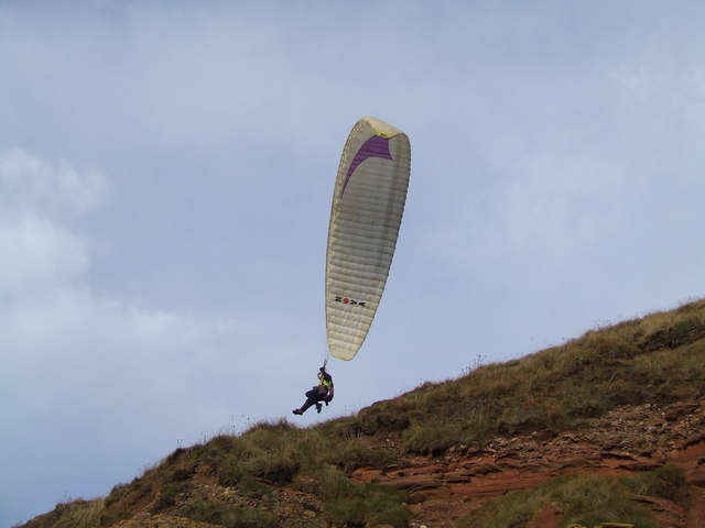 Paragliding at Whiting Ness