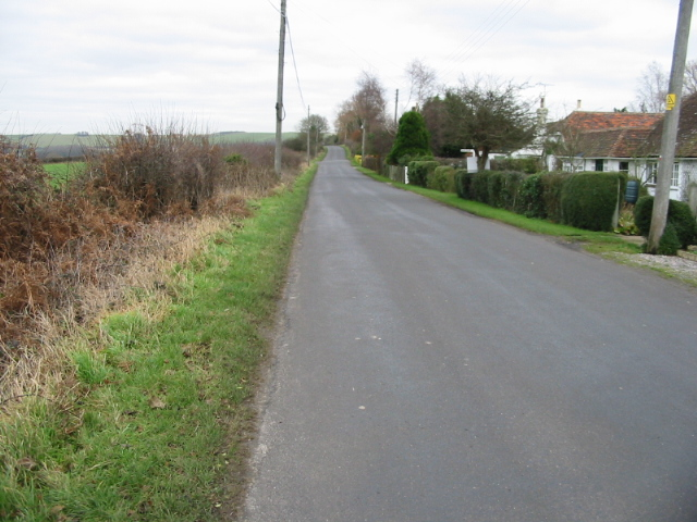 View along Canterbury Road, Brabourne Lees