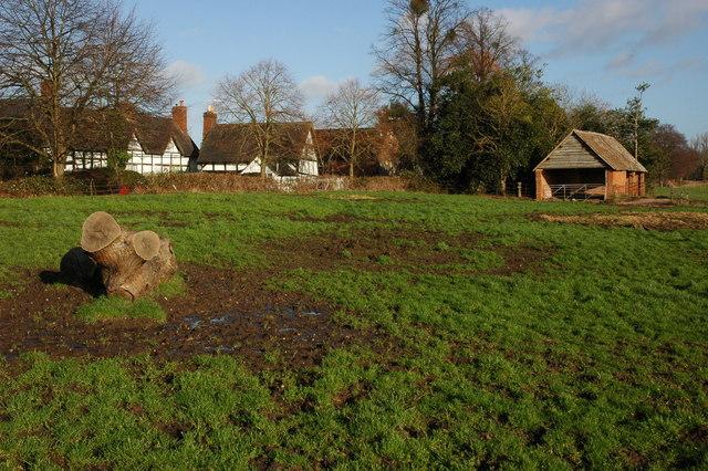 Farm shed near Apperley Court