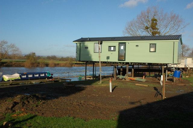 Caravan by the Coalhouse Inn, Apperley