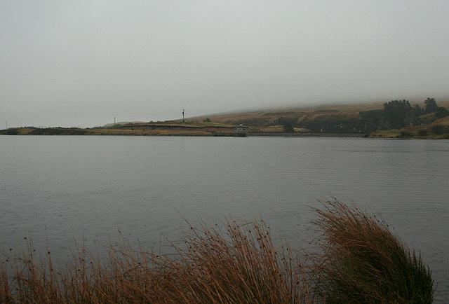 Steady rainfall over Clunas reservoir