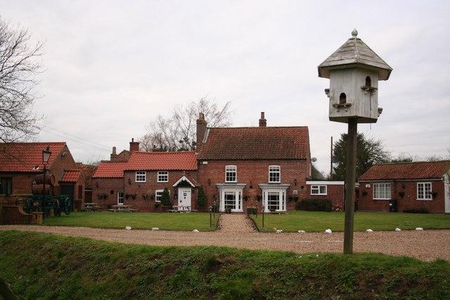 Sebastopol Inn and dovecote