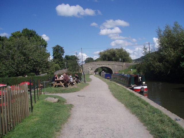 Bridge over canal at Bathampton