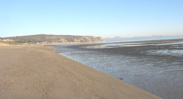 Semi-exposed sandbanks on the edge of The Warren