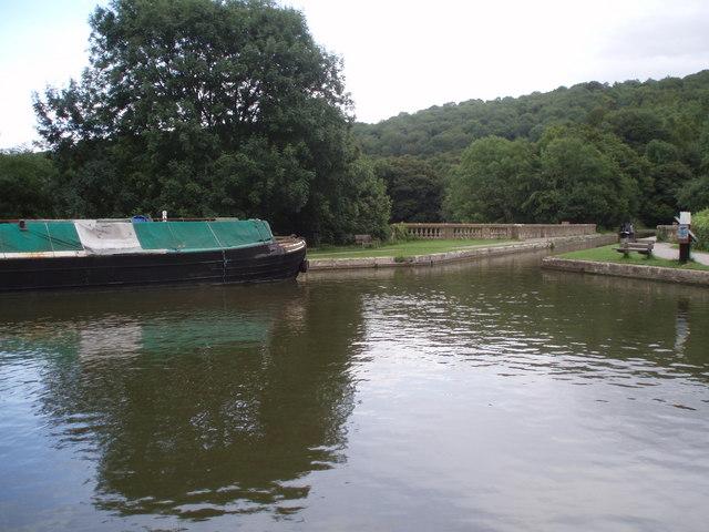 Moored boat at Brassknocker Basin