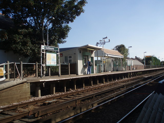 Up platform at Southbourne