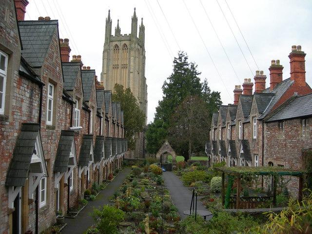 Llewellyn's Alms Houses, Wells