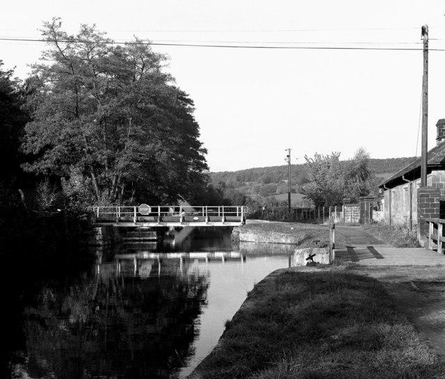 Esholt Swing Bridge No 211B, Leeds and Liverpool Canal