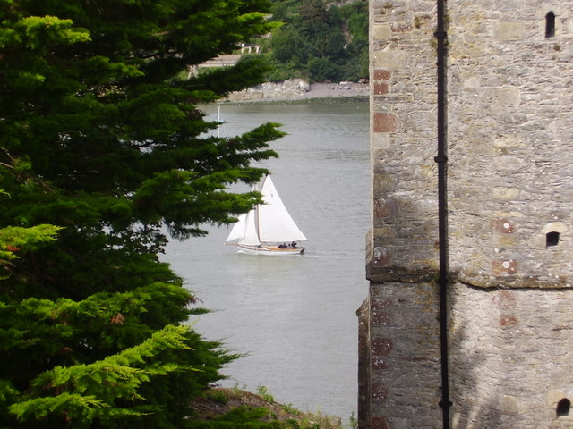 Gaffer caught sailing past Dartmouth Castle