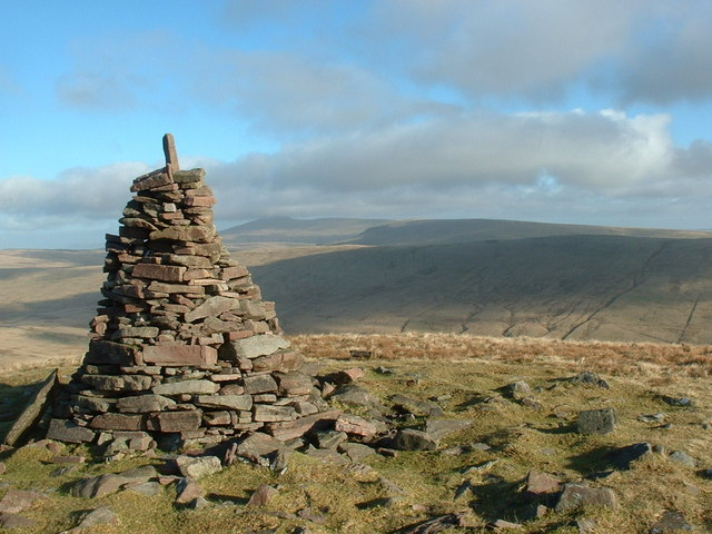 Cairn on Fan Nedd