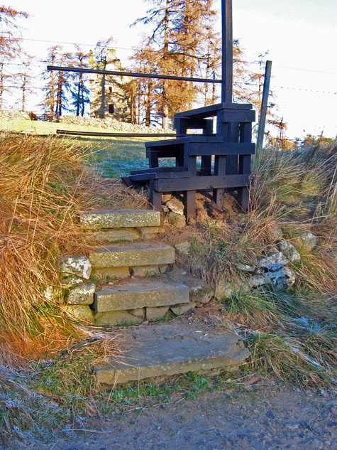 Stile for access to Knock Castle