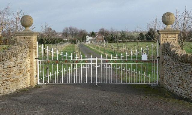 Entrance to Corner Lodge Farm