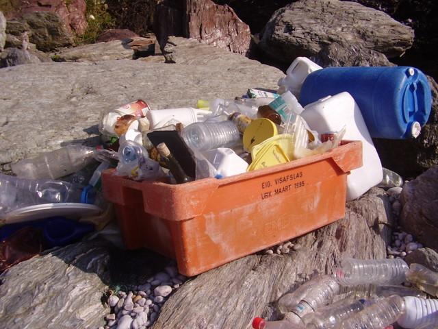Trash and pebbles