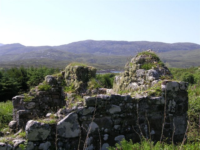 A ruined croft by the shores of Loch Aineort