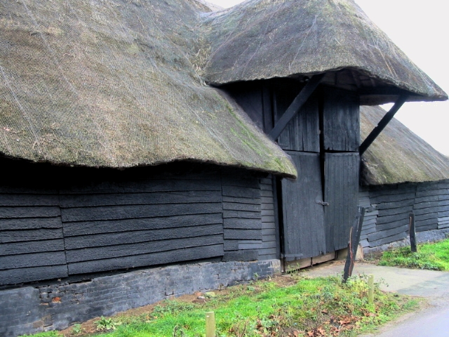 Detail on thatched barn near Wingham Barton Manor