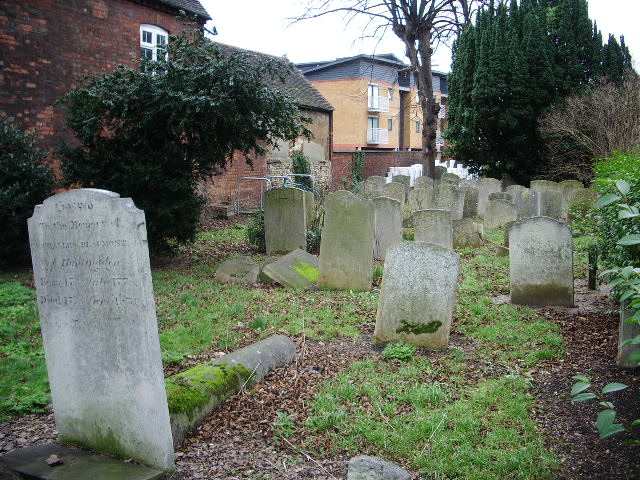 St Mary's Church, Bedford, Graveyard