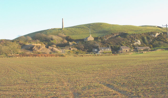 Houses below the Tan 'Rallt lead mines